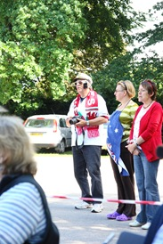 Diamond Jubilee Concert - Mike as Elvis