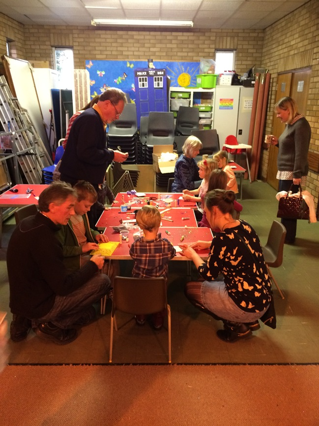 Messy Church 30Nov2013 004
